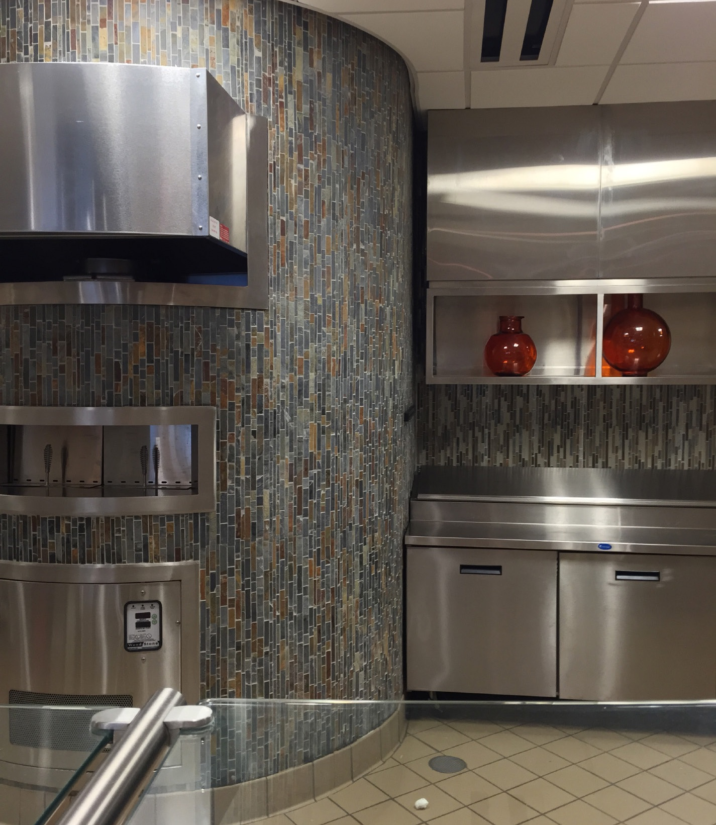 slate mosaics coat the pizza oven l using adesilex p10the - Tile In The Kitchen