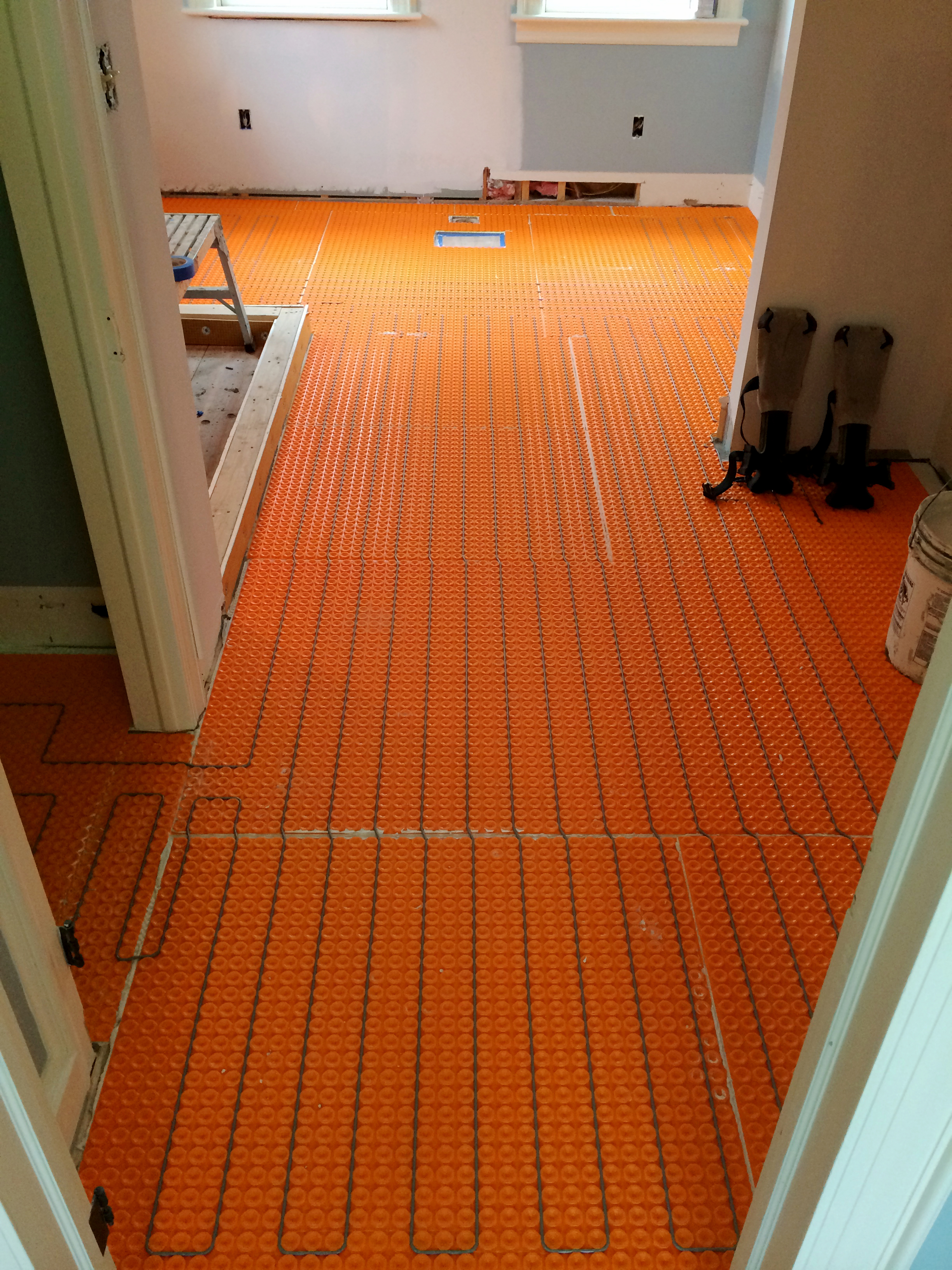 Ceramic tile heating systems
